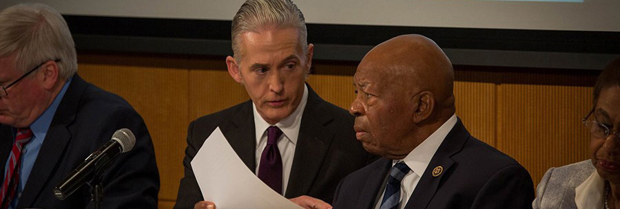Congressman Elijah Cummings (r.) confers with Congressman Trey Gowdy (l.) during a House Oversight and Government Reform Committee hearing held at Johns Hopkins in November, 2017.